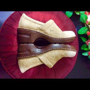 B.O.C. Tan Leather Shoes - Born - size 7.5  D6